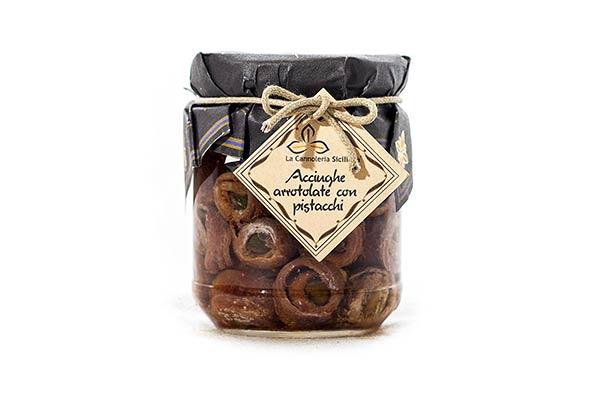 cannoleria-siciliana-ittici-acciughe-arrotolate-con-pistacchi